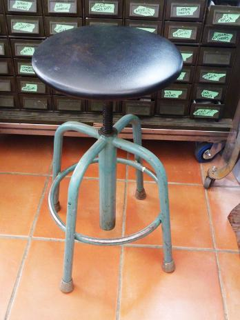 vintage steel stool, flamingsteel.com, steel sculpture, steel art, roy mackey